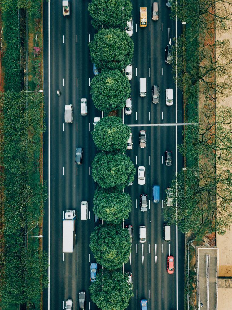 Veien kan være full av biler